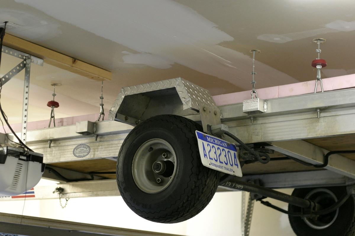 Panofish 187 Garage Trailer Lift